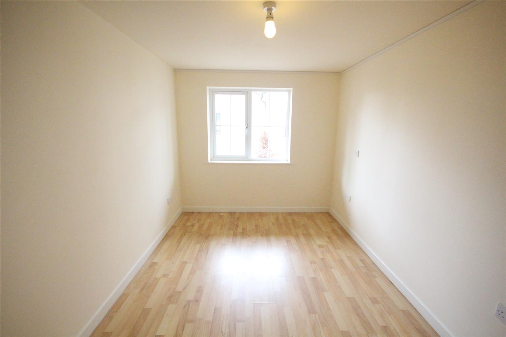 2 bedroom apartment For Sale in Colne - IMG_3452.jpg